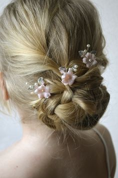 Set of bridal flower hair pins Simple blossom floral hair piece Blush bridal hair flower Wedding head piece hairpin Wedding Short Hair, Beach Wedding Hair, Wedding Hair Pins, Wedding Hair Accessories, Wedding Poses, Chic Wedding, Wedding Trends, Wedding Details, Wedding Jewelry