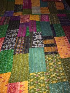 INDIAN HANDMADE DOUBLE SILK COLOURFUL PATCHWORK KANTHA  QUILT/GUDRI/THROW