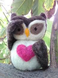 Resultado de imagen para BUHOS VELLON Felt Art, Needle Felting, Christmas Ornaments, Holiday Decor, Crafts, Felt Tree, Fabrics, Squirrels, Barn Owls