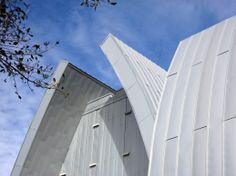 Sykes Chapel and Center for Faith and Values, University of Tampa Tampa, FL   Material: RHEINZINK prePATINA Blue Gray Zinc, Curved Double Lock Standing Seam Panels
