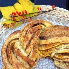 Drożdżowy wieniec cynamonowy (Estoński kringel) French Toast, Pancakes, Food And Drink, Breakfast, Morning Coffee, Pancake, Crepes