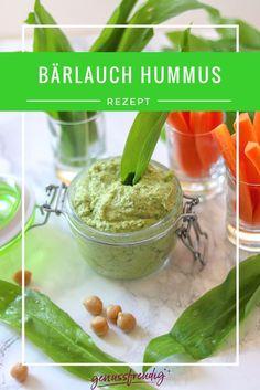 Bärlauch Hummus | Was wäre der Frühling ohne Bärlauch? Bärlauch Hummus als leckerer Brotaufstrich oder als Dip mit Gemüsesticks #bärlauch #wildgarlic #dip #hummus www.genussfreudig.at
