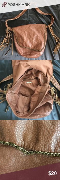 Trendy Boho Bag Ecoté Boho Bag. In great condition! One small imperfection as shown in picture, but easy fix! Ecote Bags Crossbody Bags