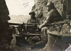WW1, 1916, the Battle of Verdun. French soldiers with a captured German machine gun at Fort Vaux. http://humanbonb.free.fr/Phototheque/images/phototheque/normal/89214540495.jpg