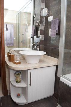 Mirá imágenes de diseños de Baños estilo ecléctico}: Mueble bajo mesada. Encontrá las mejores fotos para inspirarte y creá tu hogar perfecto.