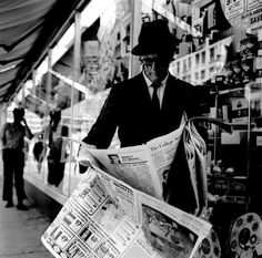 Vivian Maier  //  Chicago (Man Standing with Newspapers), 1968