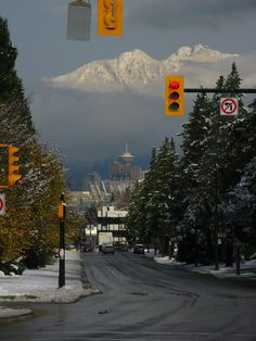 close to vancouver city hall ! Vancouver Bc Canada, Vancouver Travel, Vancouver Island, Downtown Vancouver, Seattle, City Aesthetic, Travel Aesthetic, Broken Dreams, Places To Travel