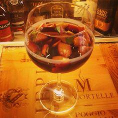 Unconventional treat... #pescanelvino #pescanelvino #wineandpeaches  #alessi #florence #florencefood #florencewine #florencedrink #drinkinflorence #fromflorencewithlove #cosy #holiday #italy #wine #enoteca #enotecaalessi #winebar #wineshop #instaflorence #igflorence #florencegram #igersflorence #instafood #instadrink