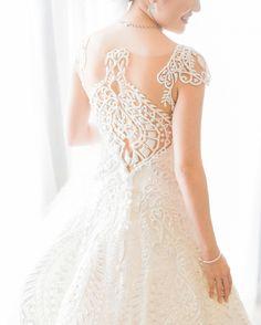10 Stunning Wedding Dress Back Designs: Part 2   http://brideandbreakfast.ph/2016/04/07/gown-back-designs/