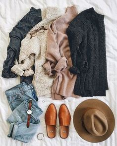 Love this color palette.Can never go wrong with blush, charcoal & ivory! Mode Outfits, Casual Outfits, Fashion Outfits, Womens Fashion, Fashion Flatlay, Fall Winter Outfits, Autumn Winter Fashion, Winter Layering Outfits, Outfits Tipps