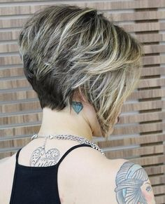 Rezultat imagine pentru Stacked Bob Hairstyles Back View