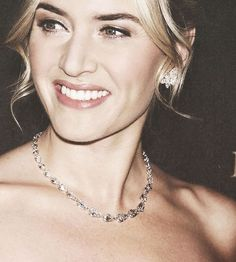 I so admire Kate Winslet as an actress but also as a person. She is beautiful, classy, talented, and down to earth. This is what a true Hollywood starlet should look like!
