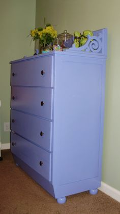 Chest of drawers. Looks like a wall shelf and mounting brackets on the top. Nice.