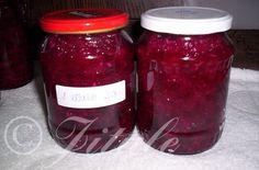 """""""Červená řepa s křenem"""" - řepa trošku jinak SUROVINY1l vody, 1/2l octa, 20dkg cukru, 3 a 1/2 rovné polévkové lžíce soli, 1 kus velkého křenu (asi 30-40dkg)POSTUP PŘÍPRAVYNa 3kg nahrubo nastrouhané řepy budete potřebovat asi 7-9 ks velkých sklenic o objemu 720ml ajednu dávku láku.Řepu uvaříme jako brambory ve slupce. Oloupemea nastrouháme na hrubém struhadle. Dáme do mísy a přidáme oloupaný a najemno nastrouhaný nebo nasekaný křen. Důkladně promícháme a plníme do sklenic. Poté zalijeme… Thing 1, Kimchi, Vegetable Recipes, Preserves, Salsa, Detox, Food And Drink, Jar, Homemade"""