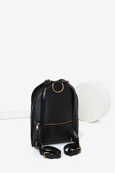 Louis Vuitton_==_