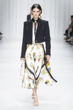 All the Looks From Versace Spring Summer 2018