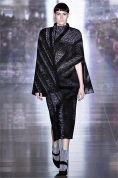 Sfilata Mary Katrantzou London - Collezioni Autunno Inverno 2013-14 - Vogue