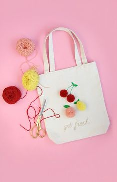 Pom pom tote bag diy custom tote bags, kids bags, diy for kids, diy tote . Diy And Crafts Sewing, Crafts For Girls, Crafts To Sell, Fun Crafts, Sewing Projects, Preschool Crafts, Craft Projects, Sacs Tote Bags, Diy Tote Bag