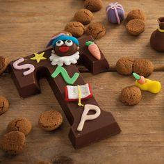 Deze gedecoreerde Sinterklaas chocolade letters zijn perfect voor het heerlijke avondje! Of versier ze samen met je kinderen voor Sinterklaas.