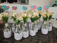 Wedding centerpieces diy no flowers bridal shower trendy ideas Diy Bottle, Wine Bottle Crafts, Jar Crafts, Bottle Art, Diy And Crafts, Bridal Shower Flowers, Bridal Shower Decorations, Wedding Decorations, Decor Wedding