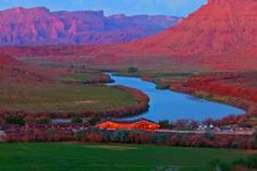 Red Cliffs Lodge in Utah offers panoramic views of one of the most spectacular natural sceneries on Earth