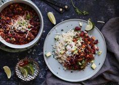 Τσίλι Κον Κάρνε με Κιμά, Κόκκινα Φασόλια και Καλαμπόκι (Chili con Carne) Recipies, Beef, Quesadillas, Tex Mex, Cooking, Ethnic Recipes, Food, Chili Con Carne, Recipes