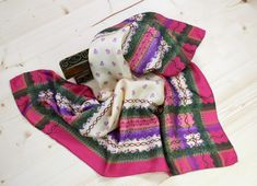 Bad, Lilac, Accessories, Pink And Green, Silk Shawl, Vibrant Colors, Dirndl, Scarves, Patterns