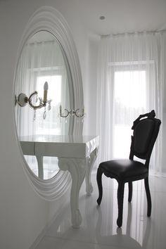 girl vanity