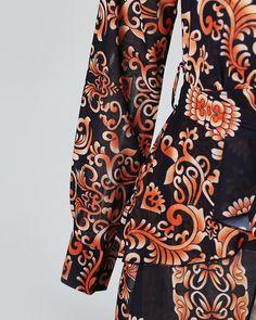 Baroque Print Long Sleeve Dip Hem Blouse Online. Discover hottest trend fashion at boutiquefeel.com Trend Fashion, Fashion Outfits, Womens Fashion, Hijab Evening Dress, Evening Dresses, Blusas Animal Print, Baroque, Blouse Online, Pattern Fashion