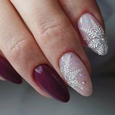 If you are getting ready for the holidays by painting a winter wonderland on your nails, these Cutest Christmas Nail Art DIY Ideas will surely give you a cheerful Christmas season this year. Cute Christmas Nails, Christmas Nail Art Designs, Xmas Nails, Holiday Nails, Winter Nail Art, Winter Nails, Nail Art Hacks, Nail Art Diy, Diy Nails
