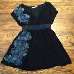 Papaya top/short dress Really pretty w/embroidered flowers. I am 5'2 and it's short on me as a dress. Cute as a top with leggings. Papaya Tops