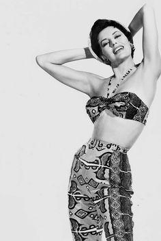 Cyd Charisse (1954).
