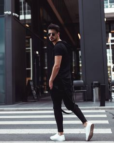 Full outfit from . Let me know if you like it 😉 ______________________________ Let Me Know, Let It Be, Men With Street Style, Sporty, Mens Fashion, Outfits, Instagram, Moda Masculina, Man Fashion