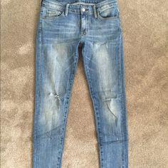 Ralph Lauren Skinny Jean Light wash skinny jean. Great condition, worn once. Ralph Lauren Jeans Skinny