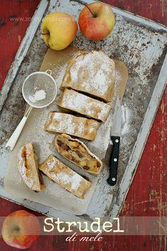 Strudel di mele ricetta tradizionale trentina originale con pasta tirata apfel strudel apple recipe light perfect