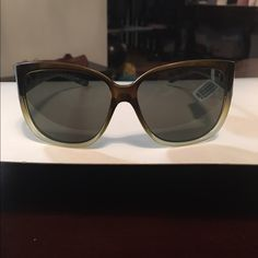 """Coach Medium~Light Briown Ombre Sunglasses~NEW Beautiful NEW MEDIUM BROWN OMBRÉ Sunglasses that start with a beautiful medium and gradually goes into an almost clear brown frame at the bottom. Hope this makes sense bc these are absolutely beautiful., lens including frame measure 2 1/4"""",  6"""" across and 6"""" sides. Beautifully made w greenish tint lens.. Made by GUESS, These are brand new. Used COACH for more visibility.....Sorry no case....$150 retail••Optical Quality Designer Accessories…"""