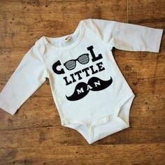 Cool little man body csecsemő fotózáshoz - Nobby M Art Nobby, Little Man, Male Body, Cool Stuff, Kids, Clothes, Fashion, Young Children, Outfits