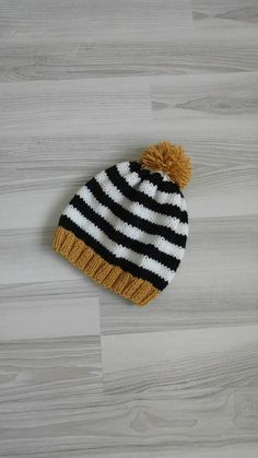 Check out this item in my Etsy shop https://www.etsy.com/listing/572619259/knitting-mustard-black-white-unisex-hat
