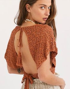 Frill Edge Crochet Crop Top, presented by Free People. Boho crochet top featured in a cropped silhouette with a plunging V-neckline. Crochet Top Outfit, Crochet Blouse, Crochet Clothes, Knit Crochet, Crochet Skirts, Crochet Summer Tops, Crochet Crop Top, Boho Hippie, Tops Boho