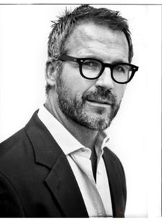 Black and white or any other color in the spectrum, glasses don't discriminate against anyone, for they make every man look good. This man knows how to work it. Hot Men, Sexy Men, Hot Guys, Barba Sexy, Salt And Pepper Hair, Look Man, Mature Men, Older Men, Hair And Beard Styles