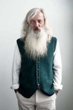 Very long beards for men Grey Beards, Long Beards, Modern Hepburn, Awesome Beards, Thing 1, Beard Tattoo, Hair And Beard Styles, Facial Hair, Bearded Men