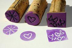 Muy Buena idea...y los niños aman los sellos y si los hace con ellos mejor…