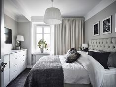 37 Small Bedroom Designs and Ideas for Maximizing Your Small Space That Pop - The Trending House Scandi Bedroom, Farmhouse Bedroom Decor, Sweet Home, Small Bedroom Designs, House Rooms, Home Interior Design, Living Room Decor, House Styles, Home Decor