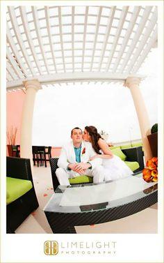 Bride and Groom, Hyatt Regency Clearwater Beach, Wedding, Kiss, Limelight Photography, www.stepintothelimelight.com