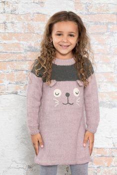 Dagens gratisoppskrift: Else kosetunika | Strikkeoppskrift.com Jumpers, Tweed, Elsa, Knit Crochet, Beige, Knitting, Sweaters, Store, Dresses