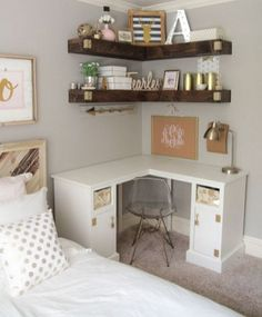 Great picture of College Apartment Diy. College Apartment Diy Nice 50 Diy College Apartment Decorating ideas on a budget https Minimalist Bedroom, Minimalist Home, Modern Bedroom, Rustic Girls Bedroom, Bedroom Beach, Bedroom Girls, Minimalist Apartment, Couple Bedroom, Stylish Bedroom