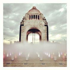 Monumento a la Revolución, originalmente sería el palacio legislativo.