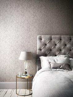 Auch Im Schlafzimmer Sorgen Tapeten Für Eine Gute Stimmung. Fotocredits:  ROMO