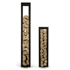 You want to build a outdoor firewood rack? Here is a some firewood storage and creative firewood rack ideas for outdoors. Firewood Holder, Firewood Storage, Range Buche, Log Holder, Wood Store, Into The Woods, Wood Burner, Fireplace Accessories, Modern Furniture