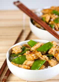 Skinny Mom gives you 10 buffet dishes revamped to be healthy! Like the pictured recipe Skinny General Taos Chicken!